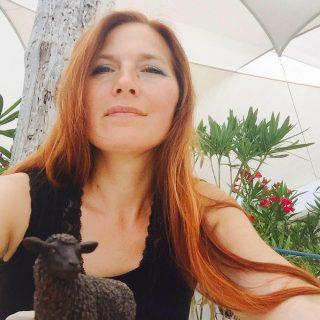 Nicole Raukamp, schwarzes Schaf