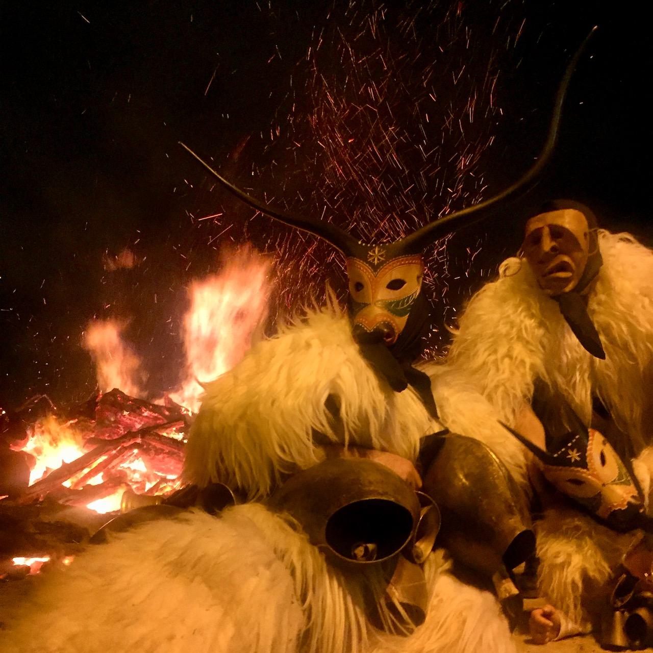 Reisetermin und -ort am 16./17. Januar: Feuer von Sant'Antonio, mit den Boes e Merdules in Ottana